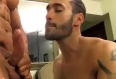 Sexo gay no serviço de quarto